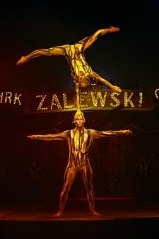 atrakcje na imprezy akrobaci pokazy cyrkowe akrobatyka duet(20)