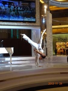 atrakcje na imprezy akrobaci pokazy cyrkowe akrobatyka duet(35)