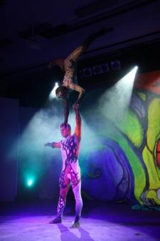 atrakcje na imprezy akrobaci pokazy cyrkowe akrobatyka duet(54)