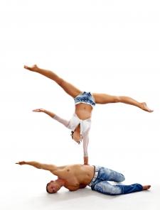 atrakcje na imprezy akrobaci pokazy cyrkowe akrobatyka duet(75)